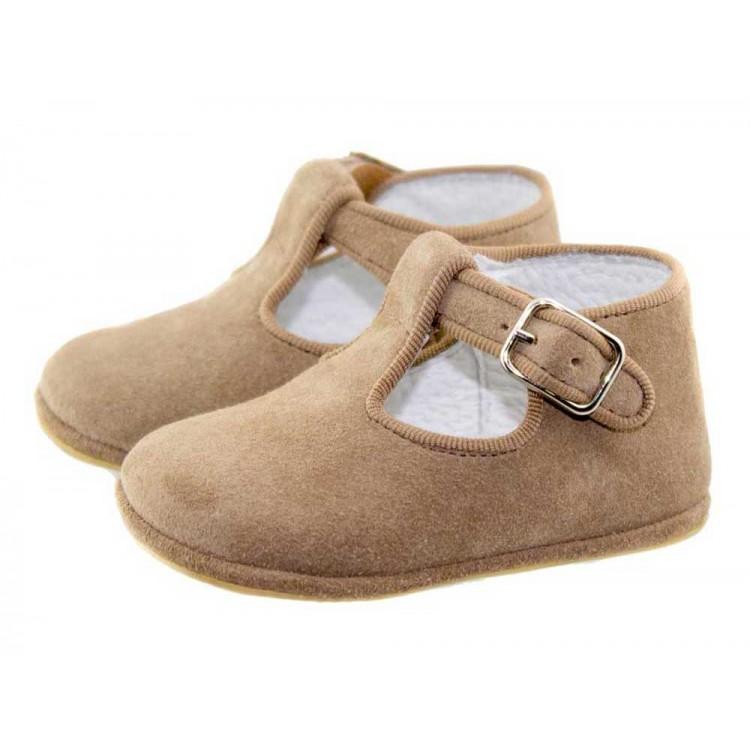 Zapatos pepitos bebé serraje camel
