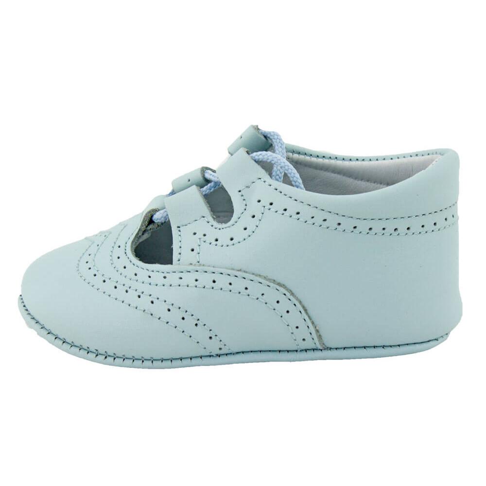 e3b1d73800db7 Zapatos inglesitos bebé piel azul claro