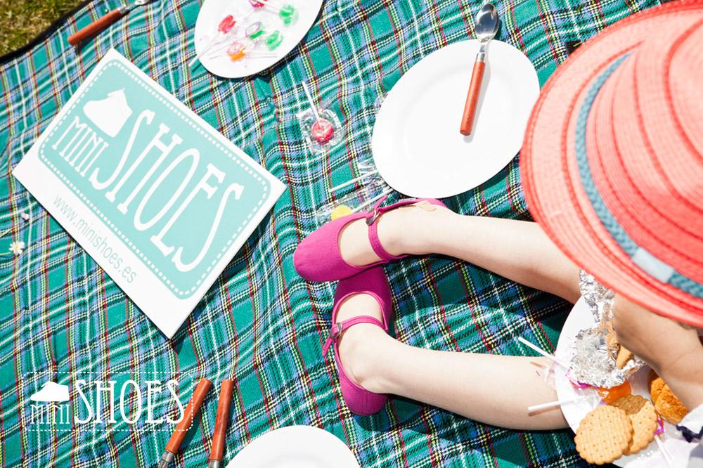 Minishoes jeux pour enfants avec des chaussures - Enlever odeur chaussure rapidement ...